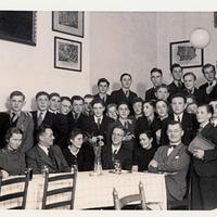 München, Städtische Höhere Handelsschule vormal Hansa-Heime, Absolvia 1940 (Gruppenfoto)
