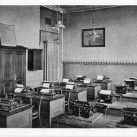 Berlin_Handels--und-Höhere-Handelsschule,-Ein-Schreibmaschinenzimmer