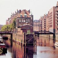 Wandrahms--und-Holländischbrookfleet-in-der-Speicherstadt,-vermutlich-1990