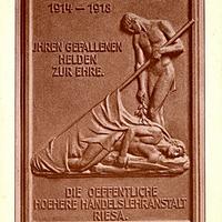 Riesa,-Öffentliche-Höhere-Handelslehranstalt,-Gedenktafel-(von-Hermann-Fritz,-Dresden)